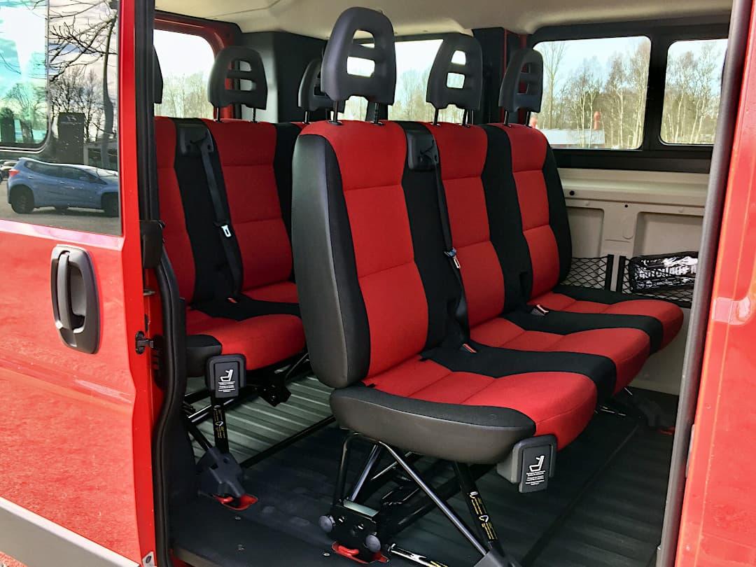 9-Sitzer mieten - Platz für gesamt 9 Personen im Fiat Ducato Kombi