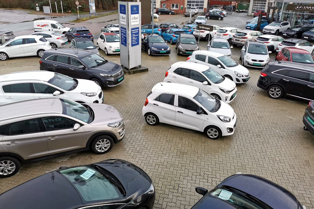 Gebrauchtwagen-Stellplatz vom Autohaus am Damm - geprüft, garantiert!