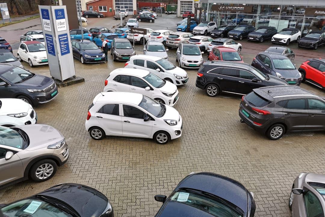 Zum Gesamtbestand vom Autohaus am Damm gehört eine breite Auswahl an Gebrauchtwagen mit Garantie