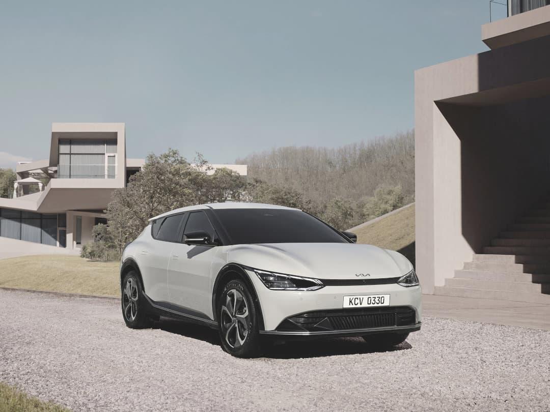 Der Kia EV6 zeigt sich im neuen Design der Kia Elektroautos